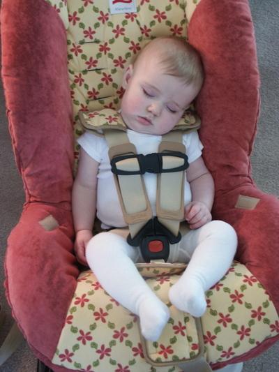 Sleeping_in_carseat